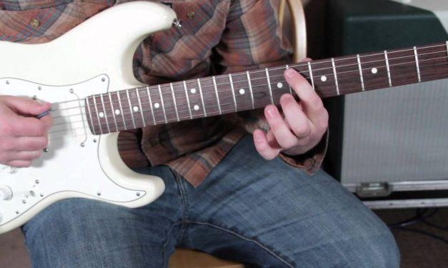 Eric Clapton JJ Cale – After Midnight – Blues Rock Guitar Lesson