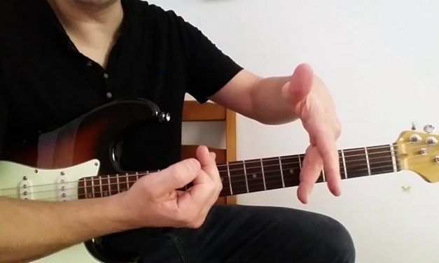 The big secret to play Blues Guitar