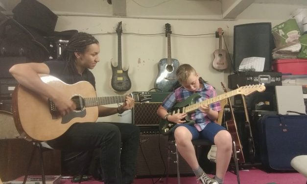 Dylan and Wes 12 Bar Blues Improvisation – Guitar Lessons in Stalybridge or Online