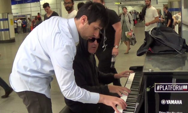 Instant Blues Lesson on a Public Piano