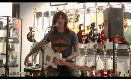Richard Fortus of Guns n' Roses Guitar Clinic at The Music Zoo!