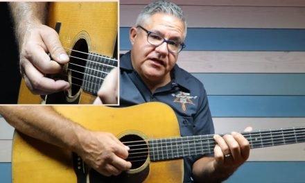 Pick It Up: Flatpicking Guitar Lick w/ Kenny Smith | Elderly.com